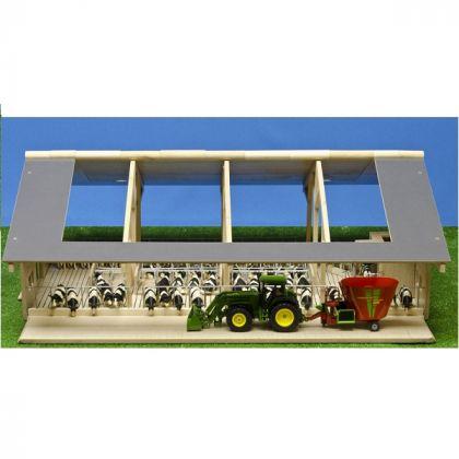 Fattoria in legno per bovini con doppia apertura anteriore e mungitrice