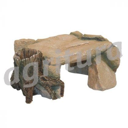 Roccia con tronco